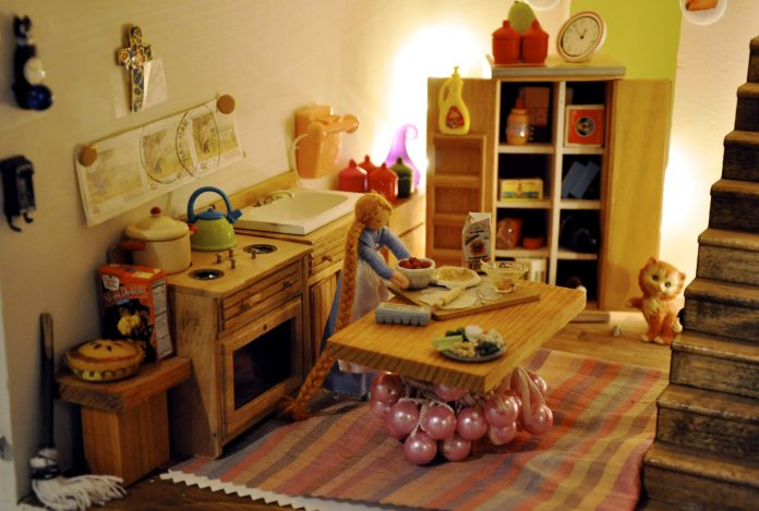 best dollhouses for toddlers